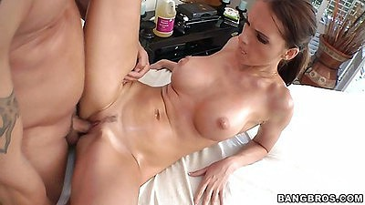 Big tits brunette jennifer dark spreading legs