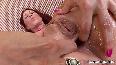 Tifanny Mynx spreads and anal sideways fuck