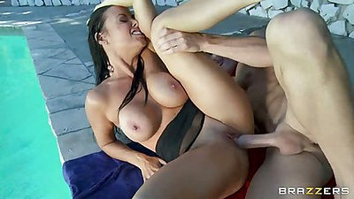 Outdoor hardcore fucking Vanilla Deville
