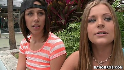 Anastasia Morna and Mercedes Lynn come to party of 3