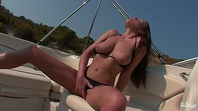 Outdoors solo babe Zara masturbation in bikini