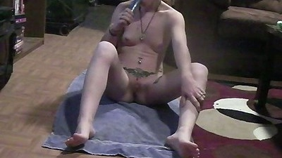 Gf Ace333 sucking on a dildo making it wet for her pussy