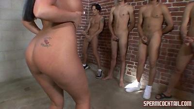 Nice round ass Richelle Ryan choosing a cock to suck