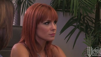 Redhead Tessa Taylor is it a support group