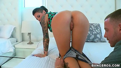 Perfect ass babe Christy Mack pulling tight shorts off and showing naked body