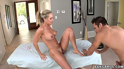 Big tits Brandi Love going for pornstar massage session with sex