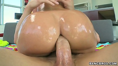 Great anal with Jada Stevens as her ass if covered in oil