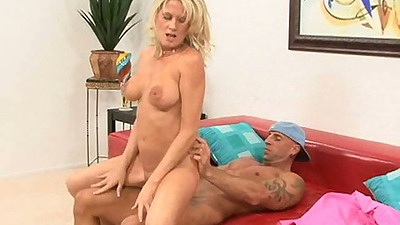 Sitting on cock milf Bridgette Lee rides it