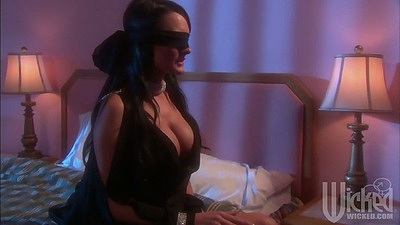 Milf big tits Alektra Blue wearing blind fold and getting fingered