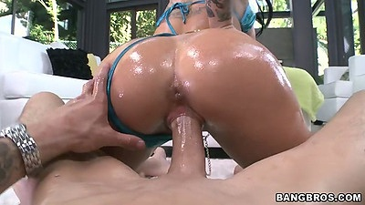 Christy Mack sits on cock reverse cowgirl and oil pov sex