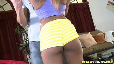 Nice round ass Honey Droppz in hotpants