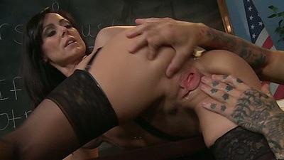 Ass spreading Kendra Lust with handjob