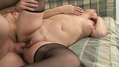 Shaved pussy flabby mature milf Everlin sideways entered