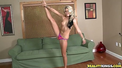 Petite flexible Jessa Rhodes showing her pussy