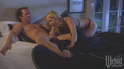 Blowjob from super bitch jessica drake