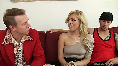 Blonde Zoey Monroe prepares for fuck with Criss Strokes