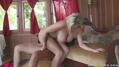 A nice 69er with some cock riding action