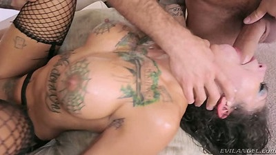 Deep throat cock inserted into Bonnie Rotten mouth while another man uses her pussy hole